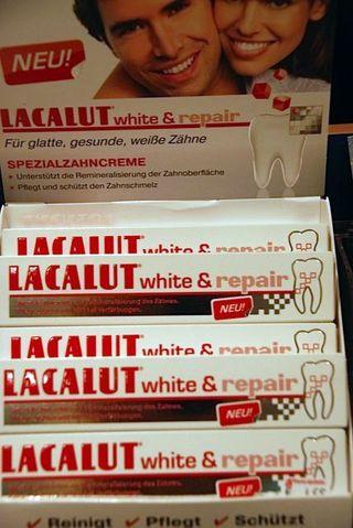 Lacalut white&repair